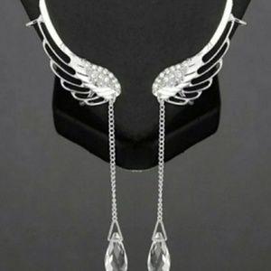 🎀Stunning Crystal Angle Wings Earing